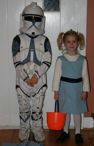 Clone Trooper and Bubbles, ready for action