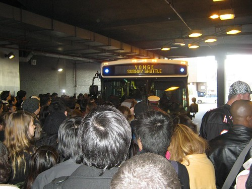Shuttle Bus Eglinton Station Yonge Line Subway closed commuter traffic reroute