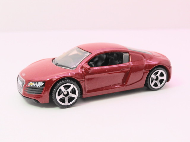 matchbox audi r8 red (2)