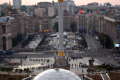Ensayo del desfile militar en la plaza de la Independencia, Kiev