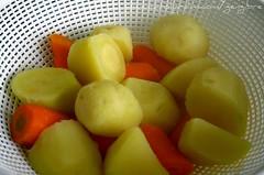 44. Batatas e cenouras assadas