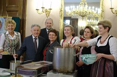 Benefiz-Suppenessen der Katholische Frauenbewe...