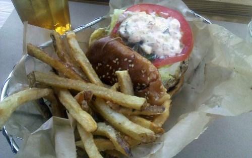 farm burger - burger basket by foodiebuddha.