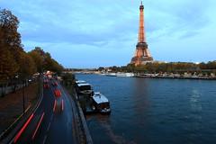 Pont de Bir Hakeim, en regardant vers la Tour Eiffel