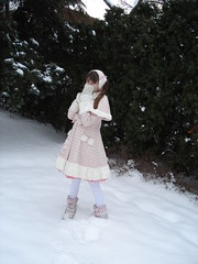 Frilly Snow Time