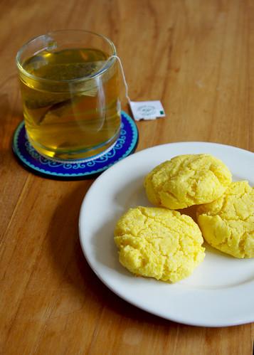 Polentacookies with coconut and lemon