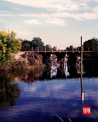LeicaIIIf_Orf-Velvia100F_RailBridge02