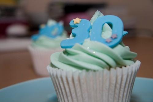 Cirencester Cupcakes - 30th Birthday Cupcake