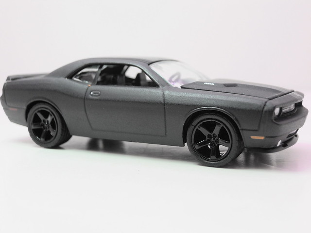 greenlight black bandit 2009 dodge challenger RT (2)