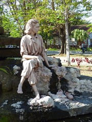 Statue of Celia Sanchez in Media Luna