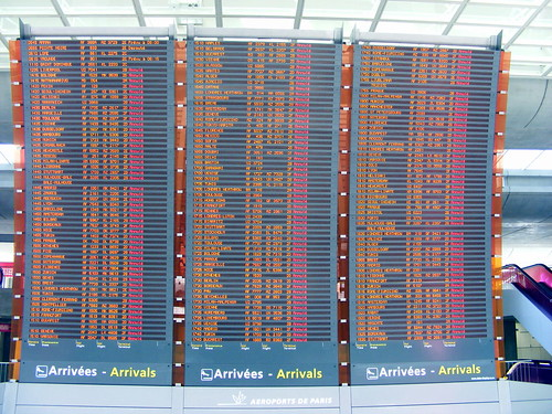 Screens of cancelled flights at Paris CDG during the ash cloud disruption