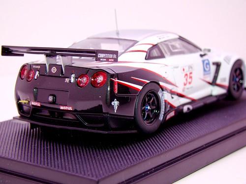 EBBRO NISSAN GT-R GT1 2009 SILVERSTONE (9)