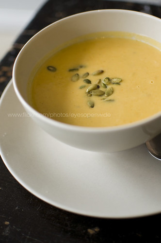creamy squash soup with candied pepitas