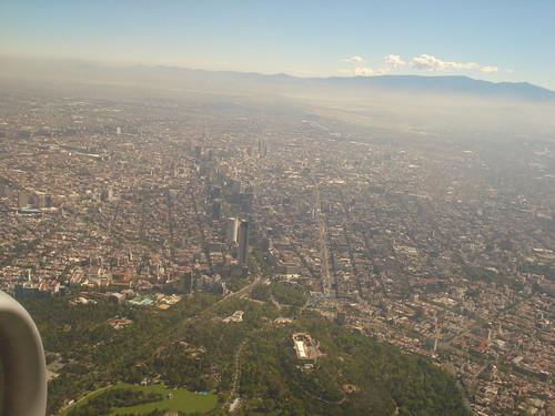 sobrevoando a Cidade do México - Passeio de la Reforma e Chapultepec em destaque