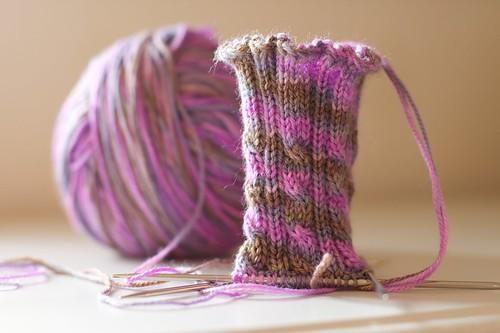 Truffle Cable Rib Socks: leg