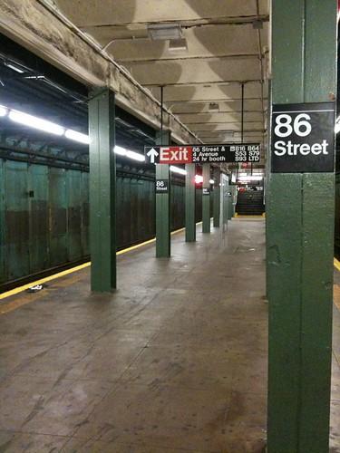 86 Street subway station