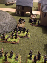 British Armoured vs German Panzergrenadiers (FoW)