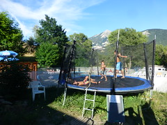 trampoline cariamas