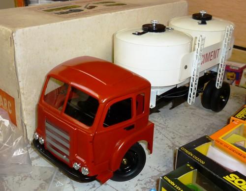 CIJ Camion Somua