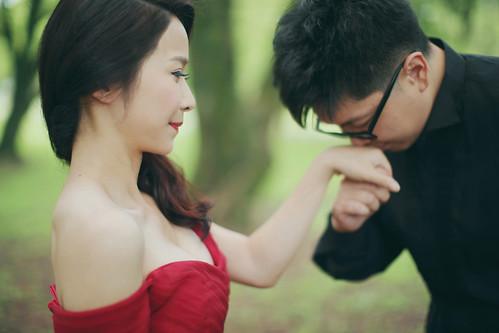 Pre-Wedding [ 中部婚紗 – 森林草原系列海邊 ] 婚紗影像 20160811 - 1