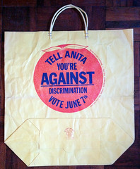 1977 Shopping bag against Anita Bryant