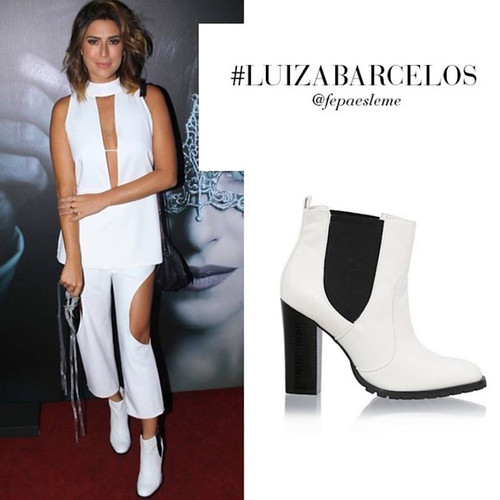 look total white com a bota desejo da Luiza Barcelos