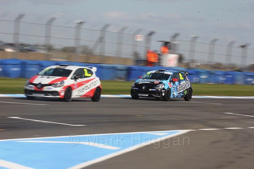 Nathan Harrison and Luke Reade in Clio Cup qualifying during the BTCC Weekend at Donington Park 2017: Saturday, 15th April