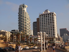 Tel Aviv - architecture - Orchid Hotel and the Isrotel Tower
