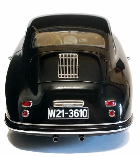 AutoArt Porsche 356 post.