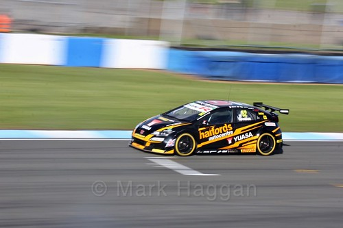 Gordon Shedden during qualifying during the BTCC Weekend at Donington Park 2017: Saturday, 15th April