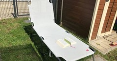 """Der Liegestuhl. Die Liegestühle. Auf dem Liegestuhl liegt ein aufgeschlagenes Buch. Der Liegestuhl steht auf dem Rasen. • <a style=""""font-size:0.8em;"""" href=""""http://www.flickr.com/photos/42554185@N00/33843013700/"""" target=""""_blank"""">View on Flickr</a>"""