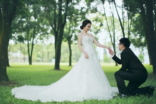 Pre-Wedding [ 中部婚紗 – 森林草原系列海邊 ] 婚紗影像 20160811 - 11
