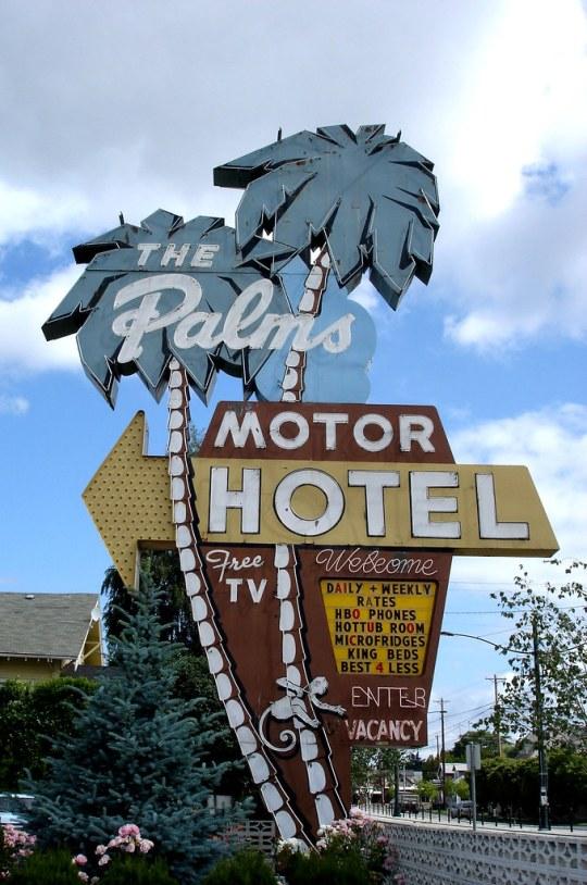 The Palms Motor Hotel - 3801 North Interstate Avenue, Portland, Oregon U.S.A. - June 19, 2006