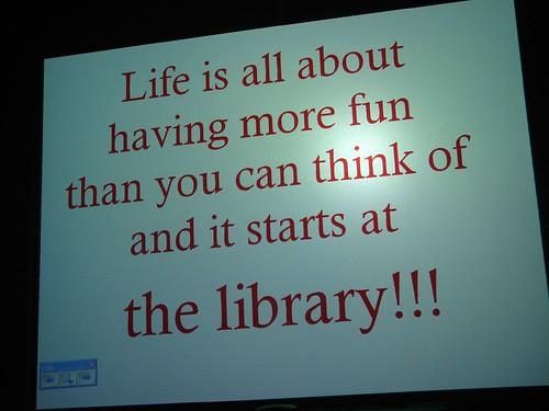 Bersenang-senang dimulai dari perpustakaan