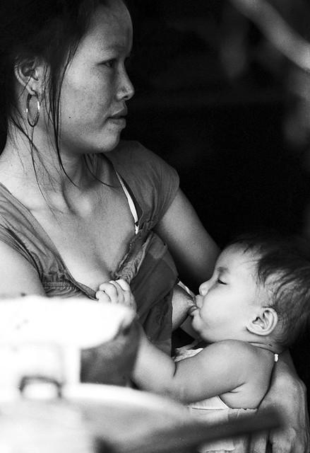 Une maman qui allaite