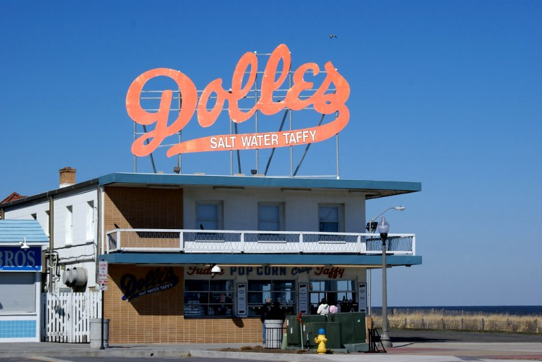 Dolles Salt Water Taffy stand