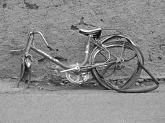 bicicleta rota 001 por cadaques images