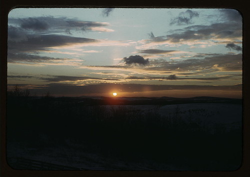 [Sunrise or sunset] (LOC)