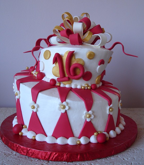 Red White Amp Gold Topsy Turvy Cake Flickr Photo Sharing