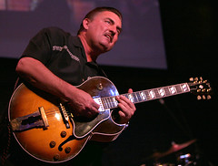 Little Charlie Baty of the Nightcats playing Gibson ES-175
