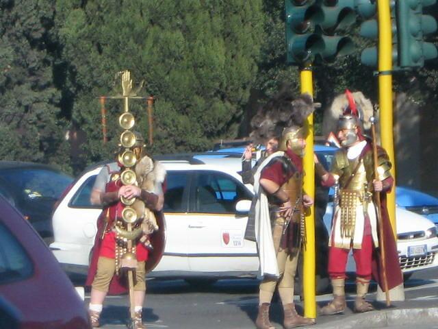 Antichi romani con automobili