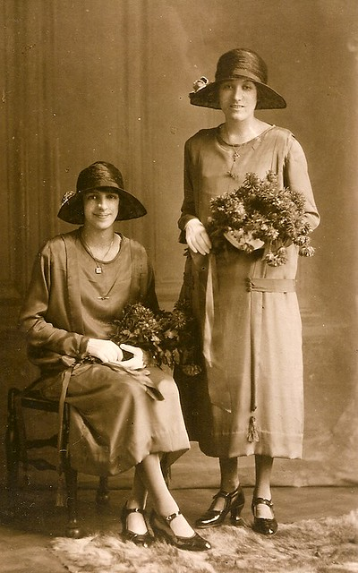Gladys Anderson and Grace Moden in 1925