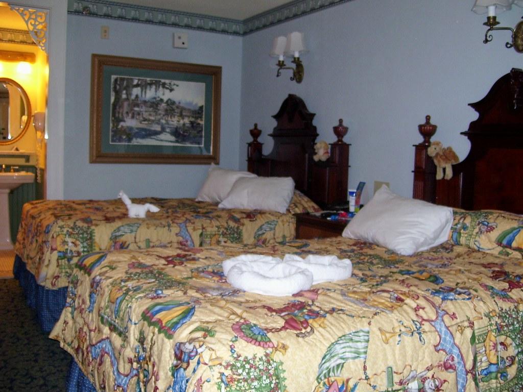 Port Orleans Room 1