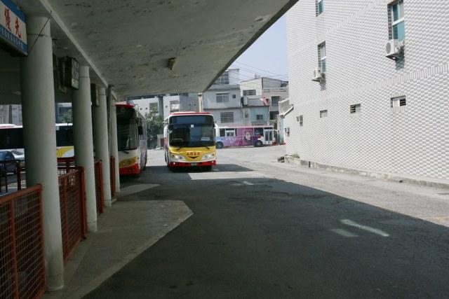 高雄客運岡山總站 (11)