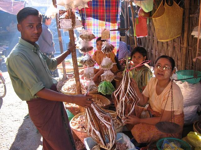 Wandering around Sittwe market
