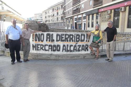 No a la demolición del mercado del Alcázar.