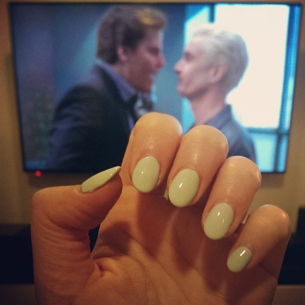 #nailsandnetflix if cavemen and astronauts got in a fight, who would win? Sally Hansen Mint Sorbet + A Hole in the World ie THE SADDEST EPISODE OF TELEVISION EVER BARRING ONLY THE BODY