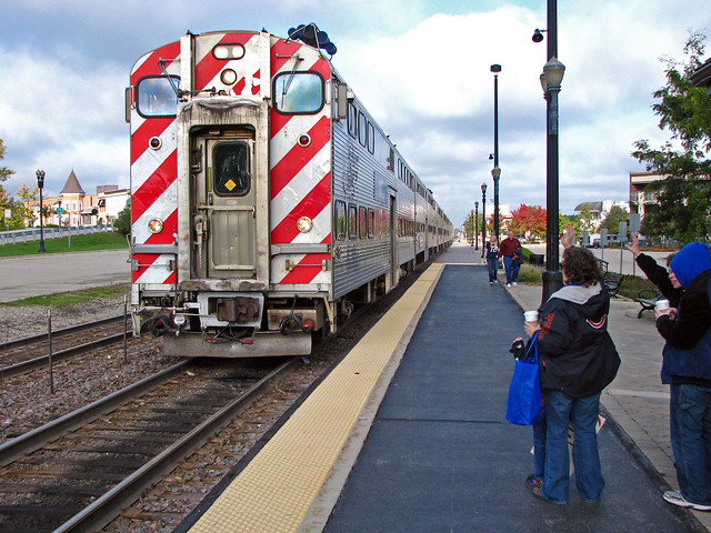 Metra Arriving at Barrington
