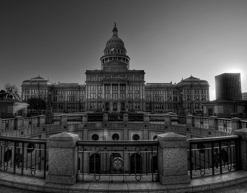Black/White HDR Capital