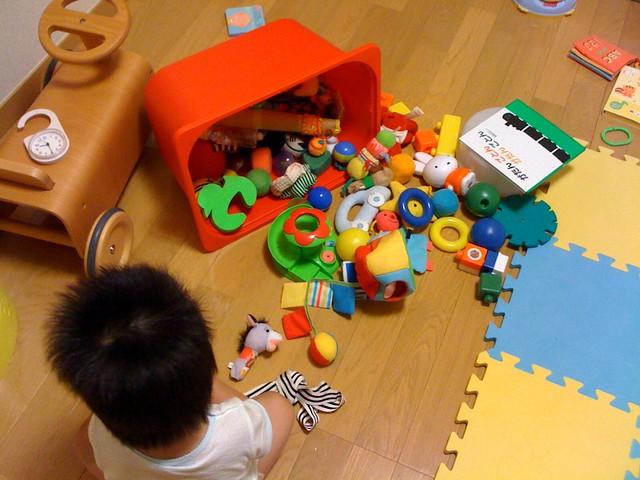 おもちゃ箱をひっくり返したような